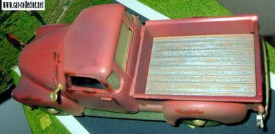 vieux-chevrolet-3100-pick-up-1950-old-friends-maisto-scala-125