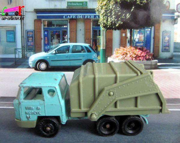 camion-bernard-benne-a-ordures-ville-de-megeve-majorette-rail-route-refuse-truck