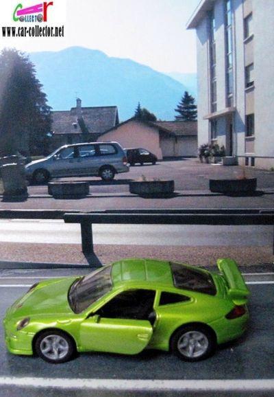 porsche-911-carrera-s-green-siku-item-1006