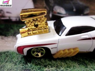 1969-pontiac-gto-the-judge-toon-d-muscle-2010-hot-wheels-tooned
