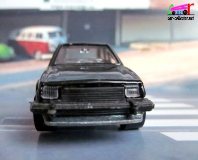 ford-escort-xr3-black-hot-wheels-made-in-france
