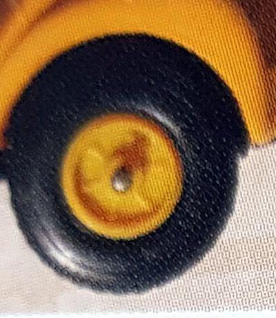jante-et-roue-norev-type-numero-18bis