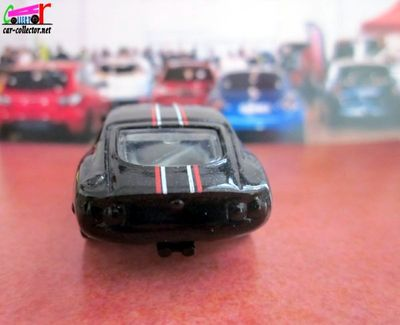 toyota-gt-2000-workshop-hot-wheels