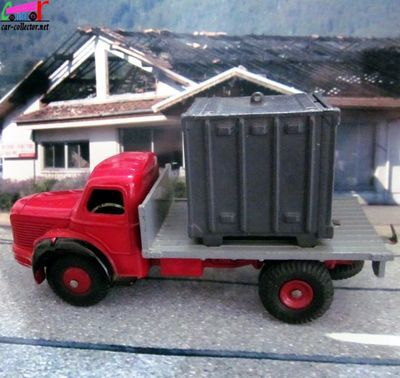 truck-berliet-glr-plateau-container-dinky-toys-france