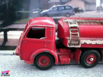 tracteur-panhard-movic-semi-remorque-citerne-station-esso-dinky-toys-made-in-france