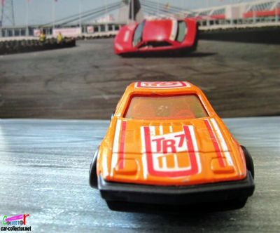 triumph-tr7-orange-majorette
