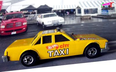 super-blaster-taxi-city-crack-ups-1985-hot-wheels