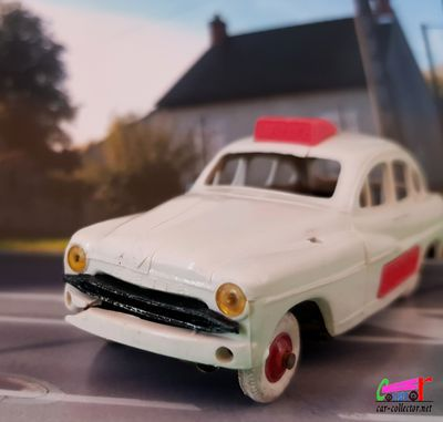 ford-vedette-ambulance-1954-norev
