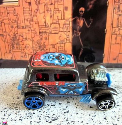 32-ford-vicky-highway-horror-2006-ford-victoria-1932-hot-wheels