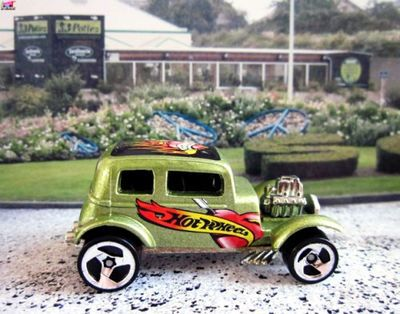 32-ford-vicky-tat-rods-2004-ford-victoria-1932-hot-wheels