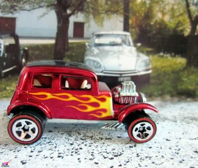 32-ford-vicky-classics-series-2007-hot-wheels