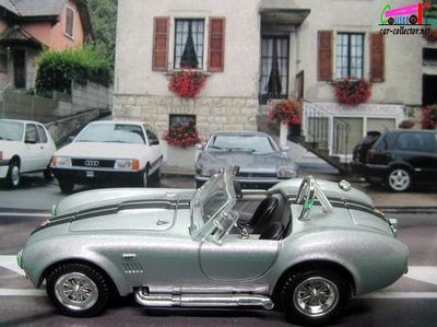 ford-shelby-ac-cobra-427-sc-cabriolet-1964-les-belles-americaines-road-signature