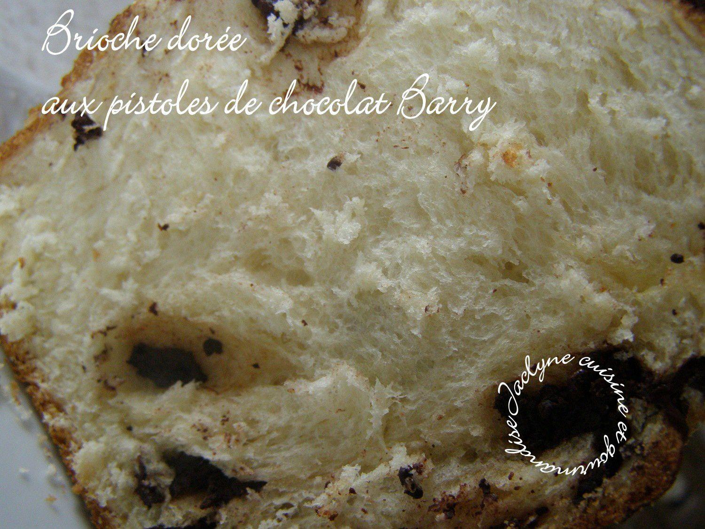 Brioche dorée aux pistoles de chocolat Barry Jaclyne cuisine et gourmandise