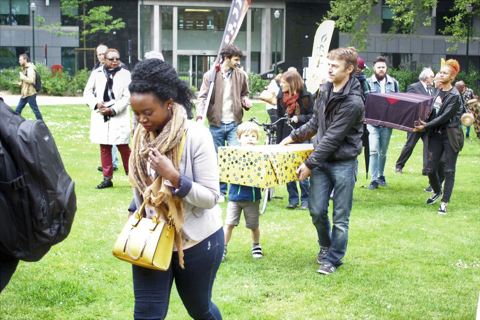 Marche funèbre d'Amnesty International à Bruxelles pour BENI