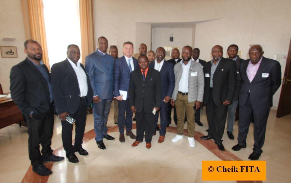 Elections belges. Les têtes de liste NVA de Ganshoren et Molenbeek face aux pasteurs congolais.