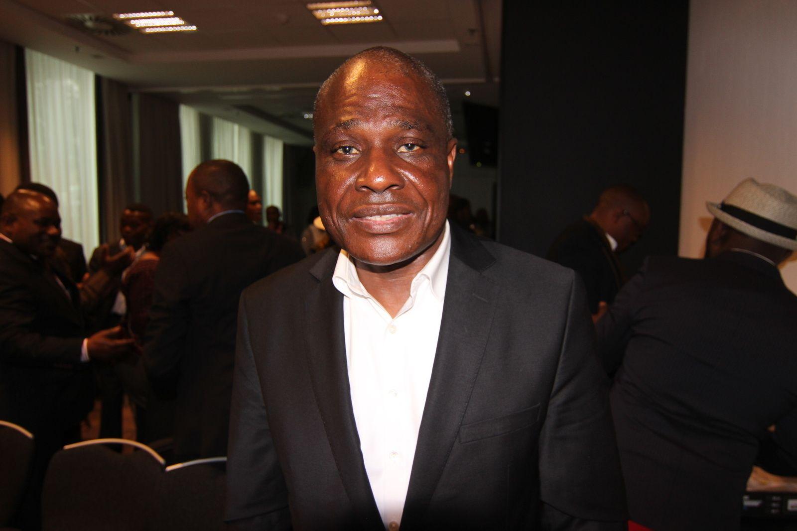Martin Fayulu sur RFI: «Qu'on n'installe même pas la =machine= dans les bureaux de vote…»