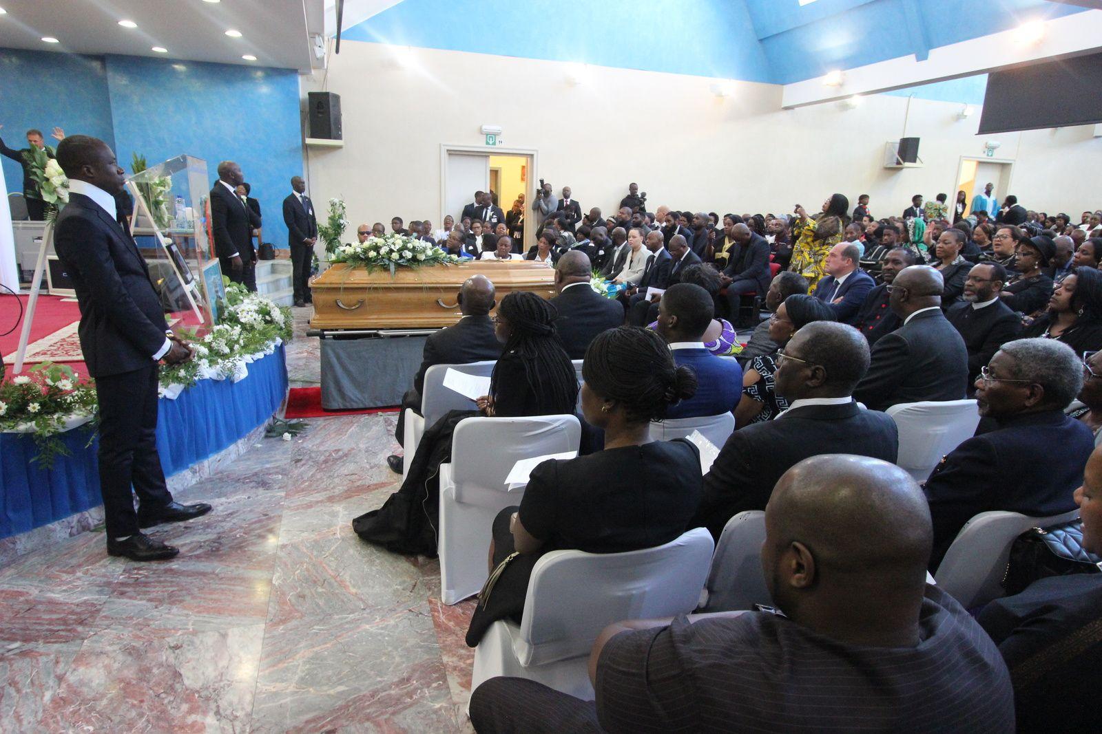 Bruxelles. Grandioses hommages au Bishop Martin Mutyebele
