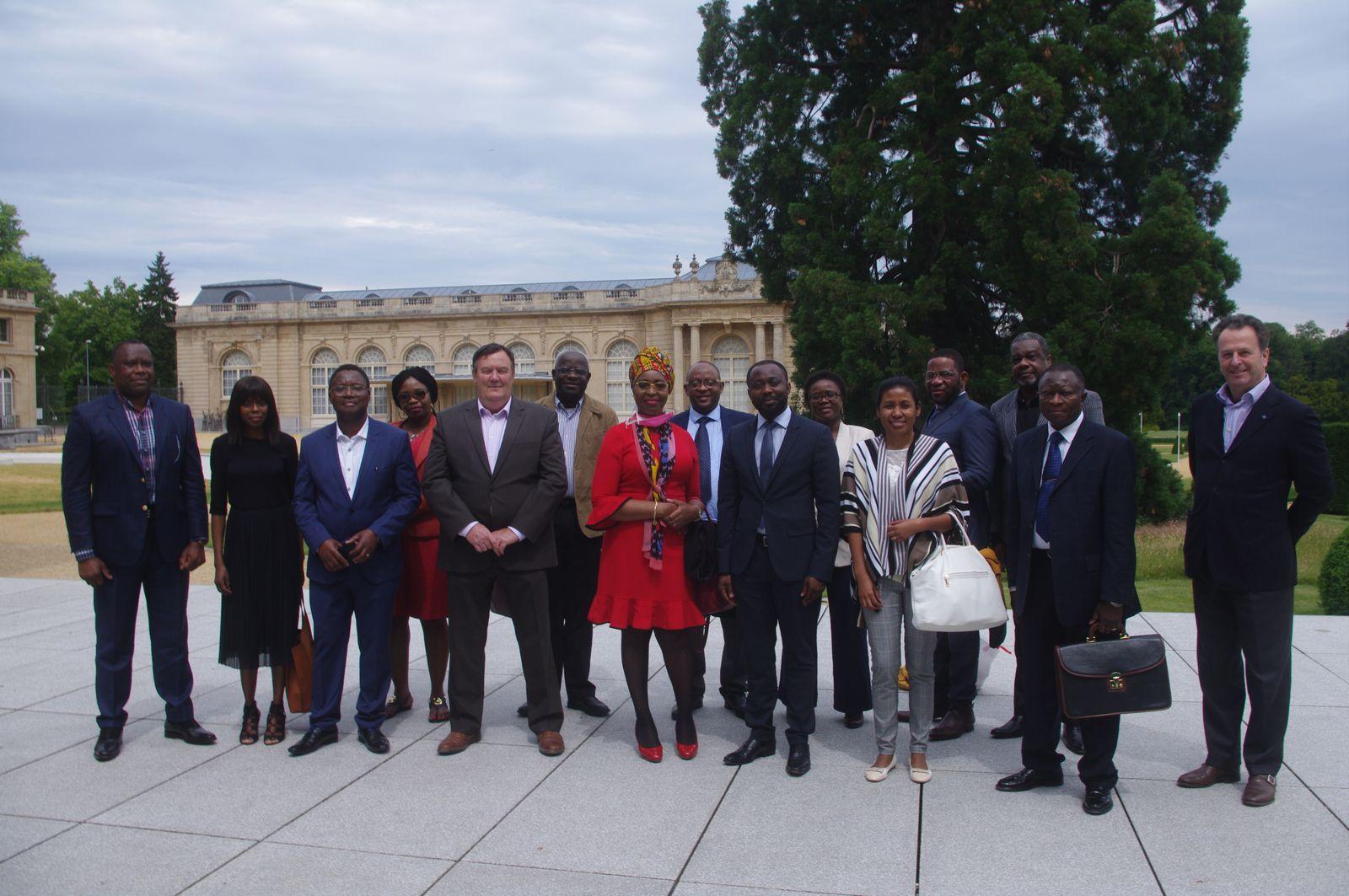 Fructueuse rencontre à Bruxelles «Mukumadi gouverneur du Sankuru-Entrepreneurs belges»
