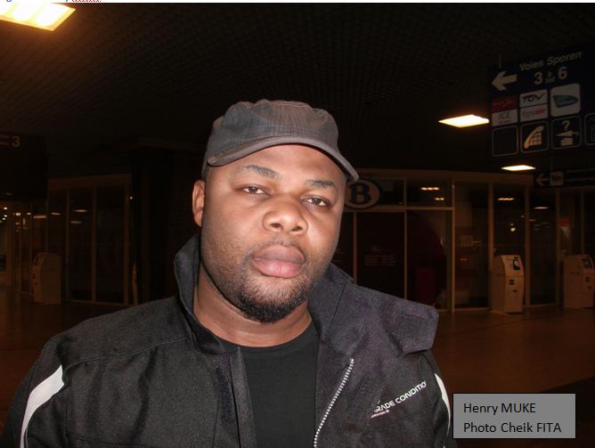 Archives 2011. Henry Muke affronte le Général ETUMBA