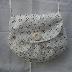 Un joli sac forme besace à offrir à une petite fille !