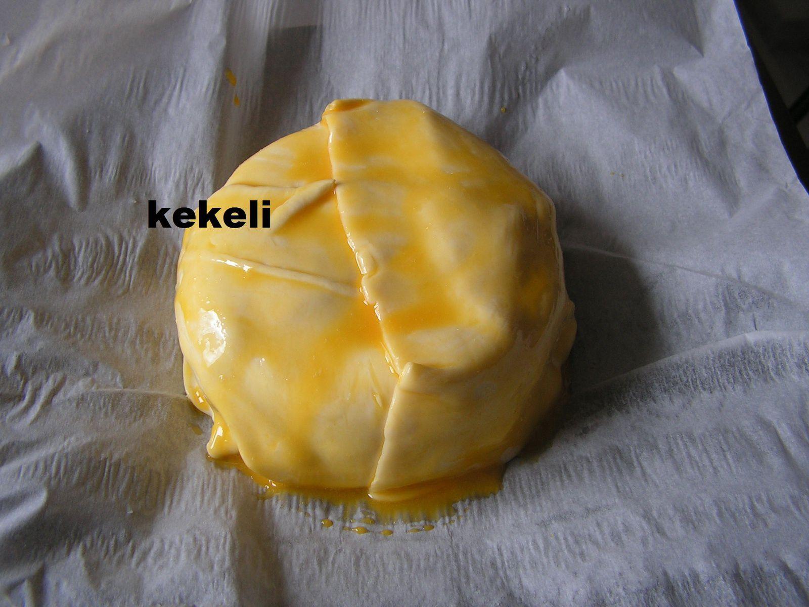 Camembert feuilleté aux lardons