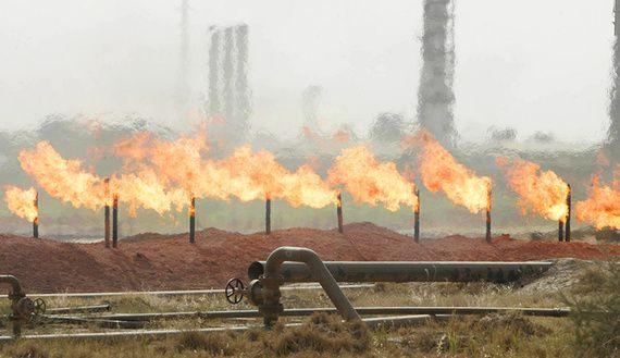 Le champ pétrolier de Baba Gurgur près de Kirkouk