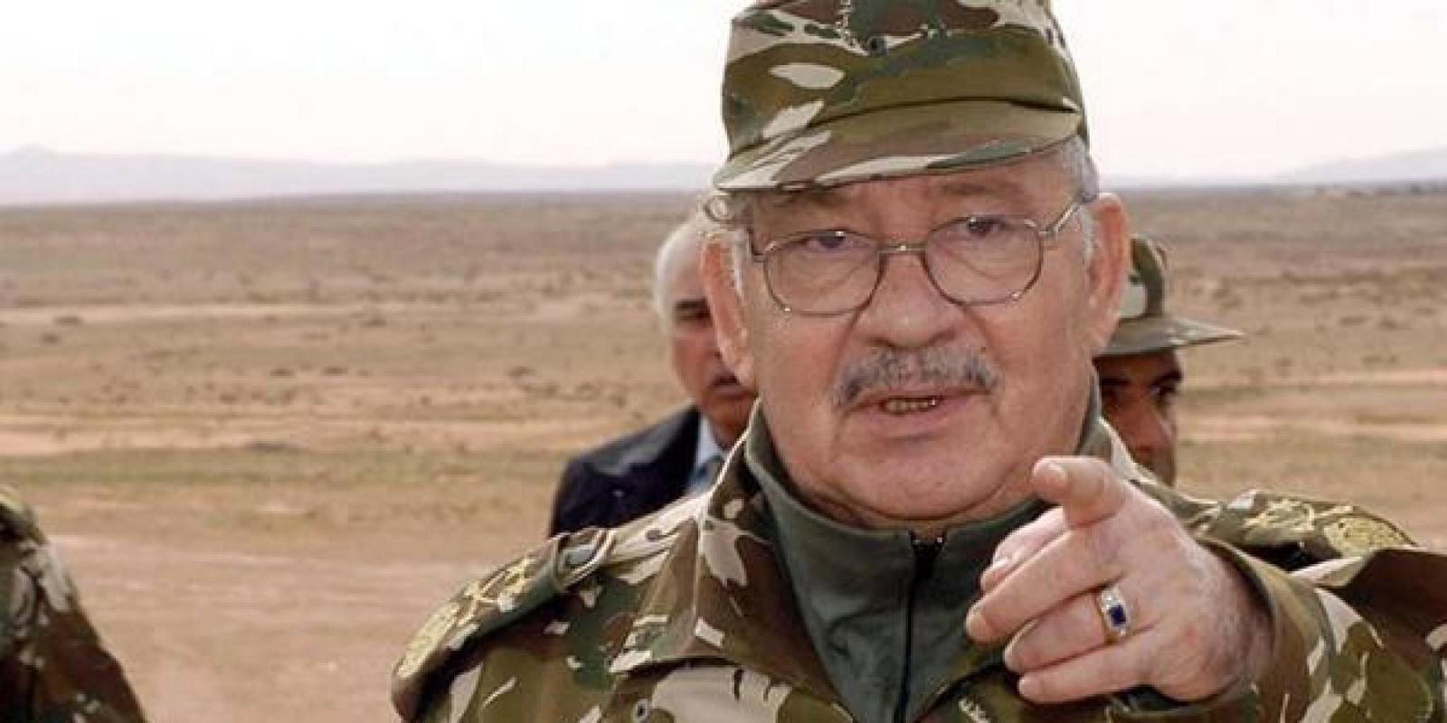 Le général Gaïd Salah, vice-ministre de la Défense, chef d'état-major de l'Armée algérienne