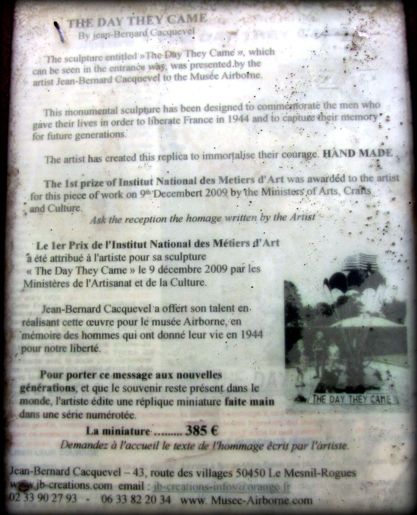 """Sculpture """" The Day They Came """", musée Airborne"""