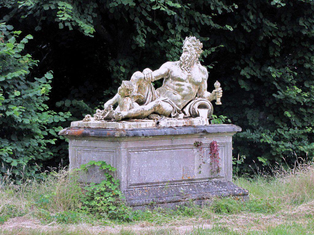 La Garonne d'Antoine Coysevox, château de Franconville