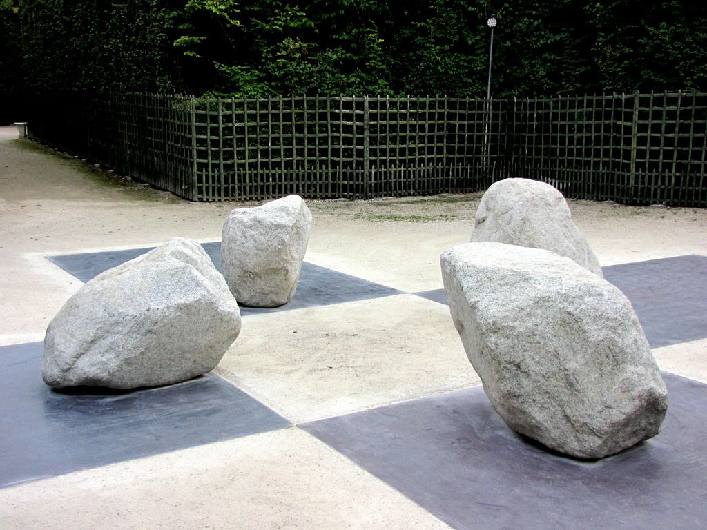 Lee Ufan Versailles, Four sides of messengers