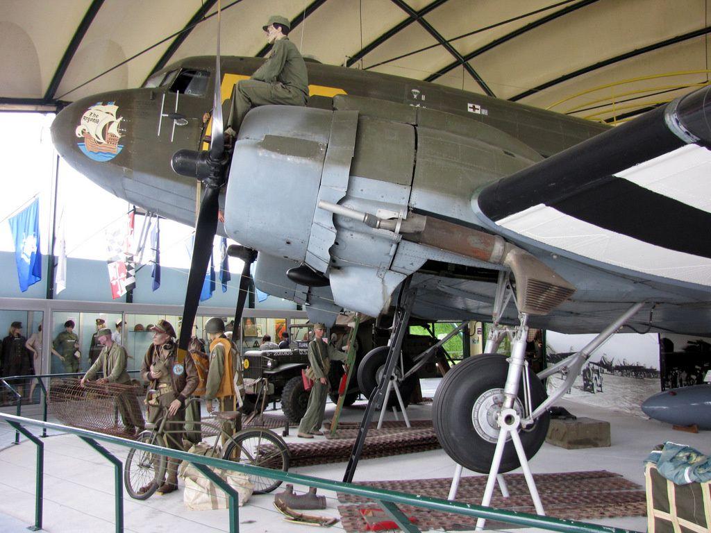 Avion Douglas C-47 Skytrain 'Argonia', musée Airborne