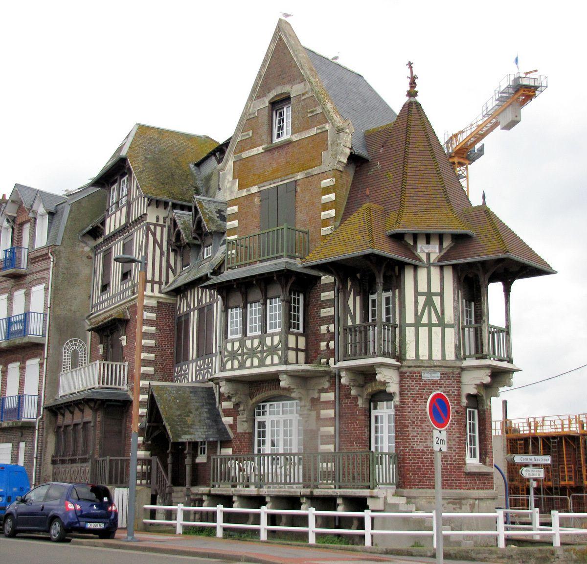 Mers-les-Bains, façades de maisons du front de mer