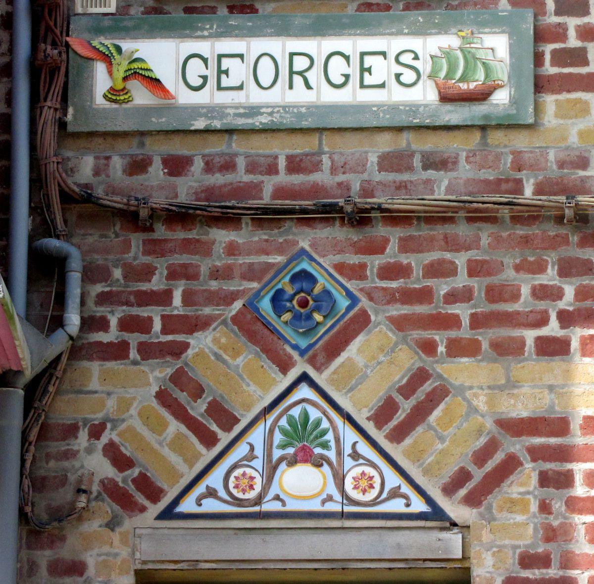 Mers-les-Bains, façades de maisons du front de mer (détails)