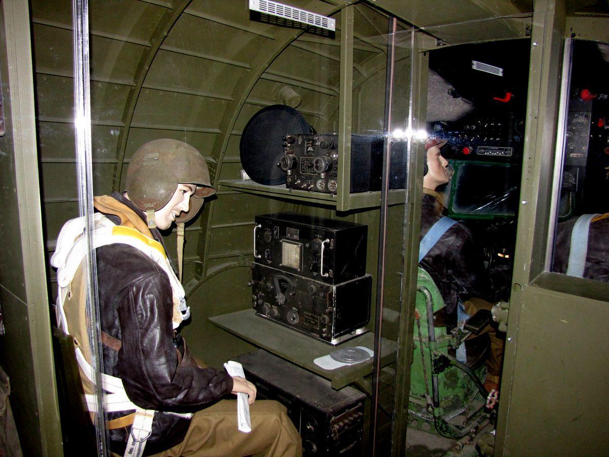 Cabine de pilotage et radio