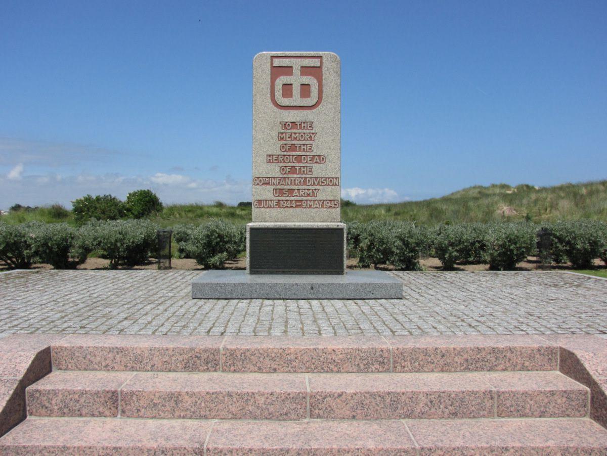 Monuments sur la plage de la Madeleine, Utah Beach