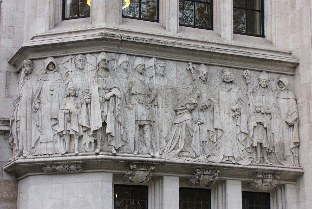 """Façade de """" Middlesex Guildhall"""", siège de la Cour Suprême  du Royaume-Uni"""
