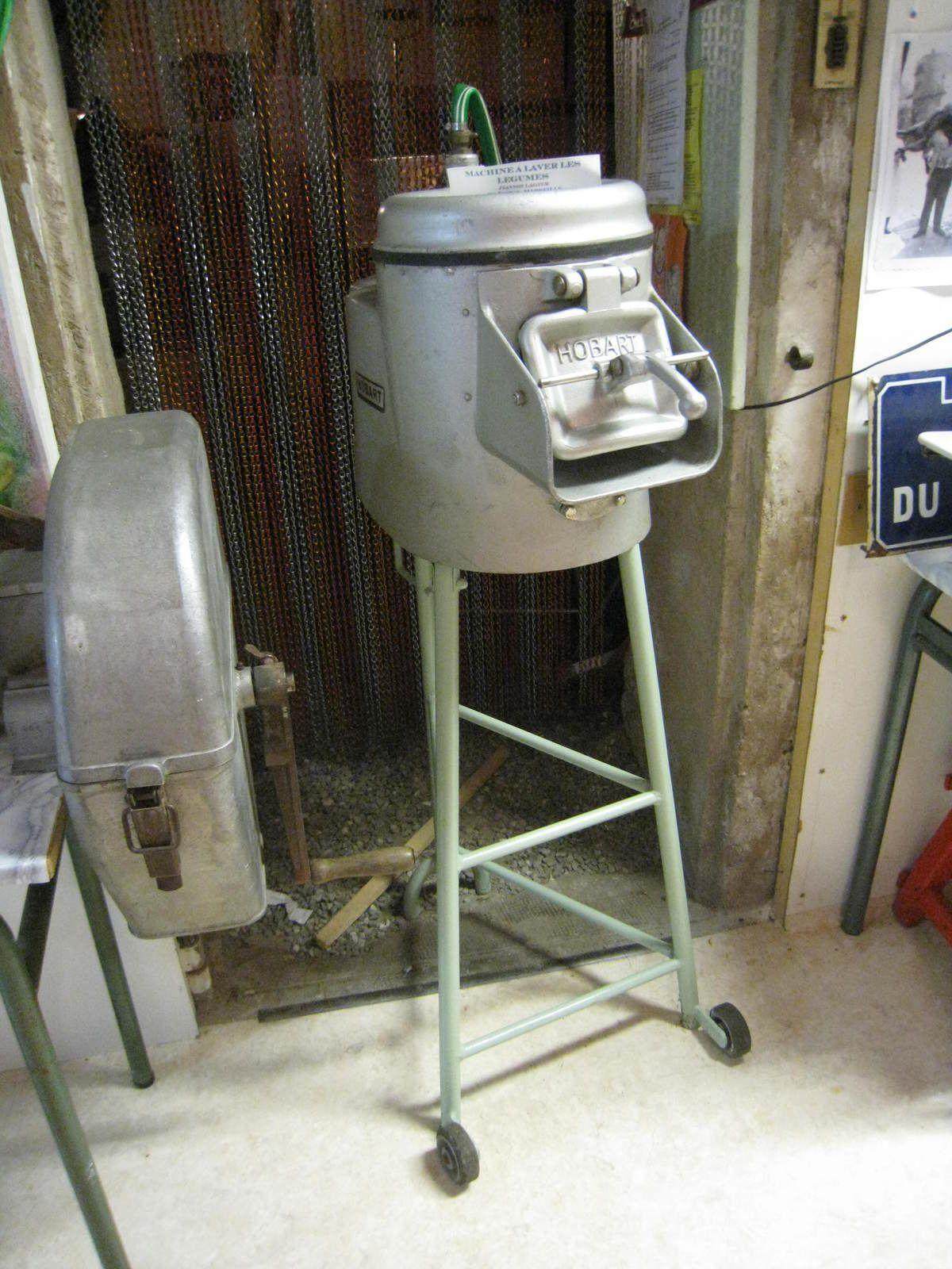 Poussoirs, hachoirs, machine à laver les légumes