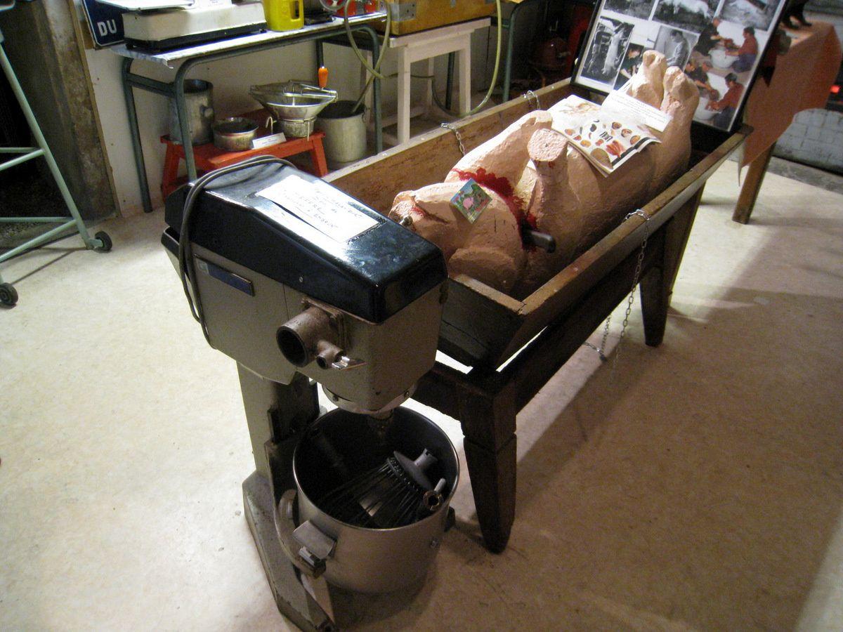 Pétrin mécanique, musée de la charcuterie (Crots)