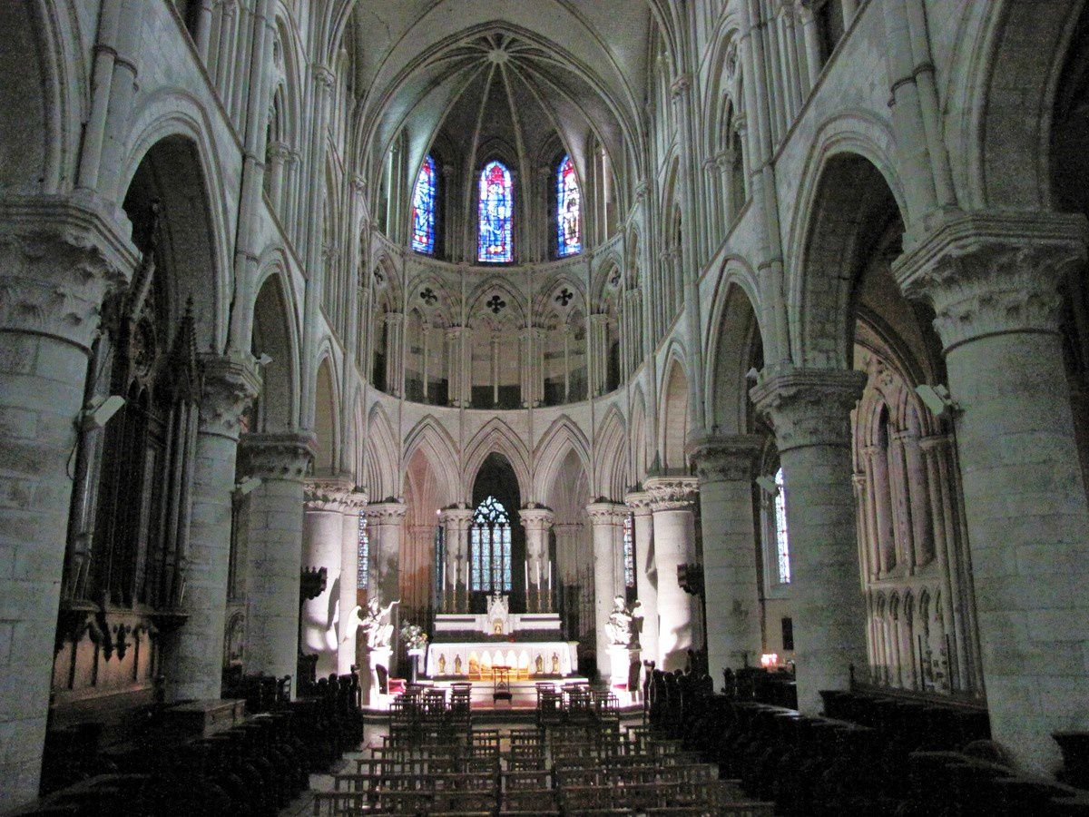 Maître-autel de la cathédrale de Lisieux