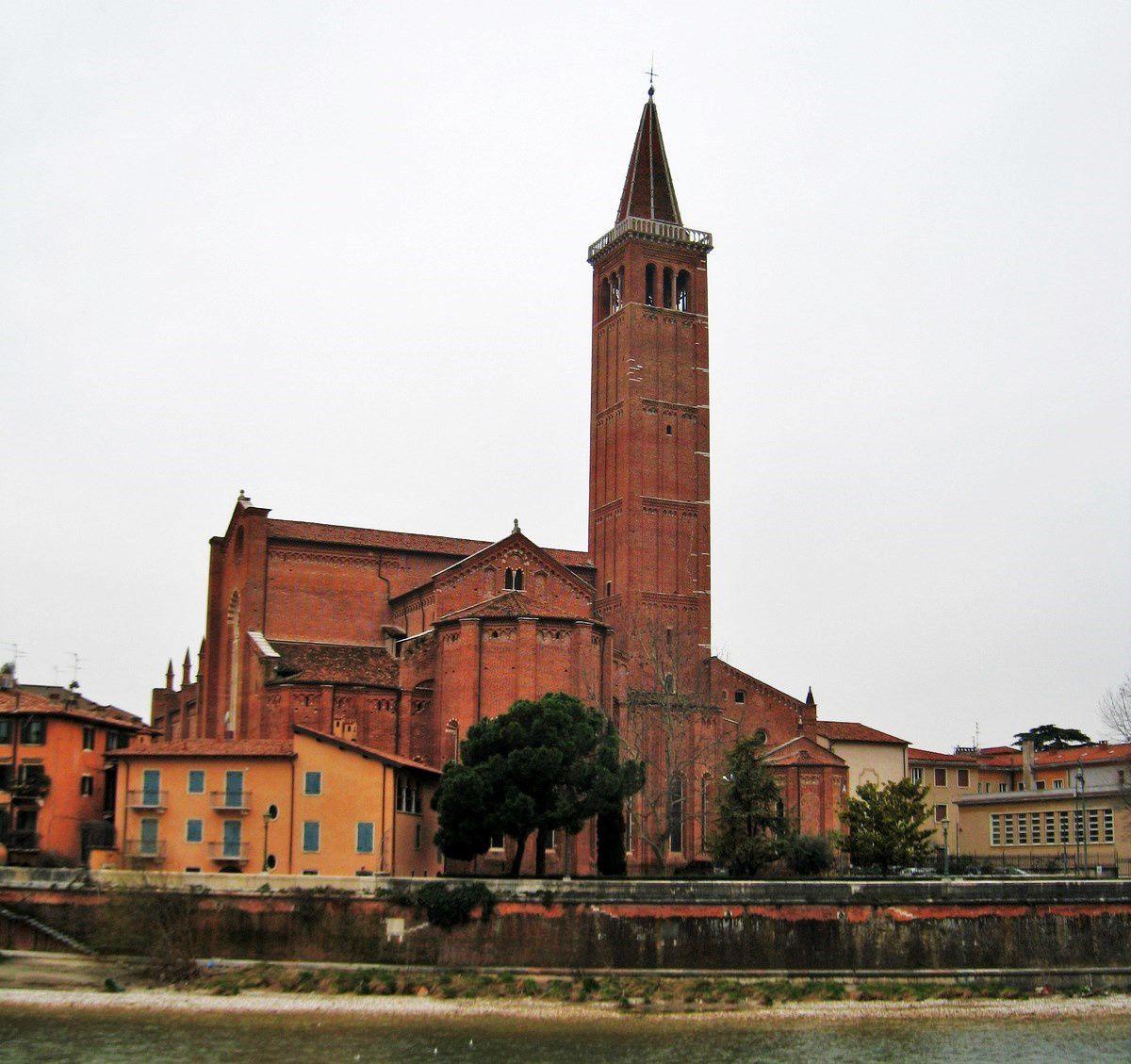 Eglises et campanile de la cathédrale, Vérone
