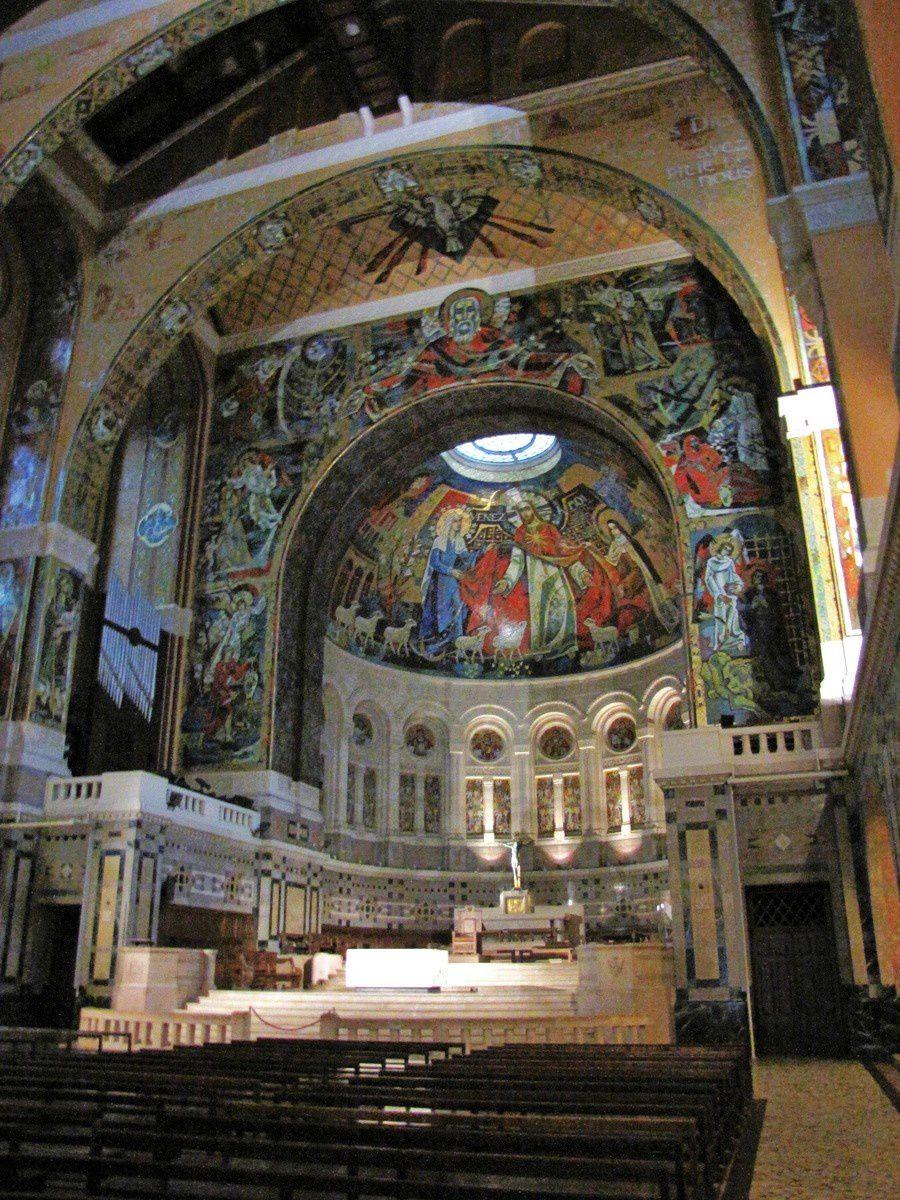Basilique de Lisieux, chapelles du monde