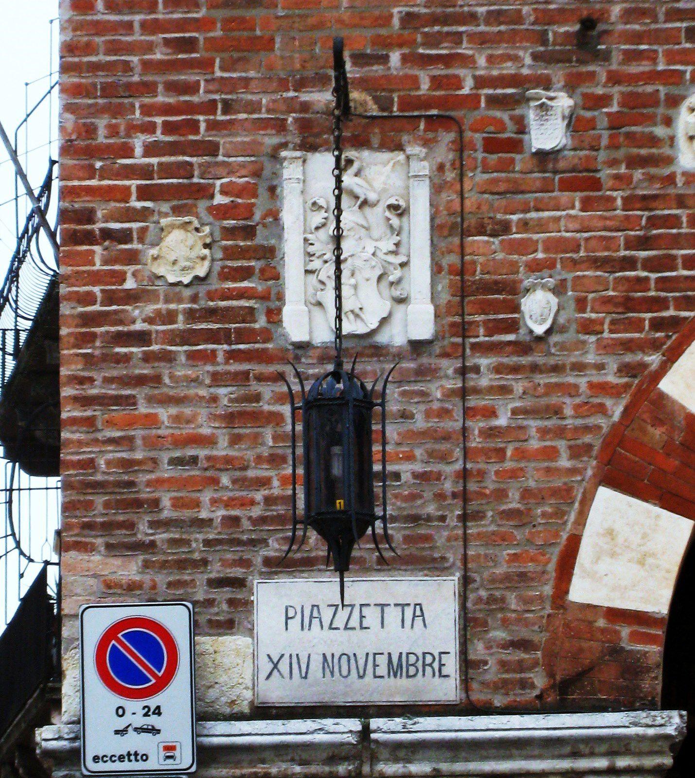Piazzetta XIV novembre, Vérone