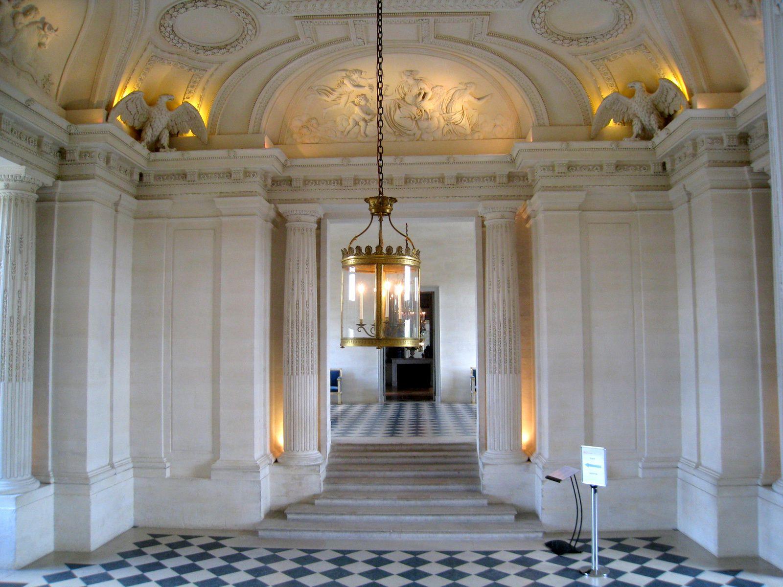 Le vestibule du château de Maisons-Laffitte