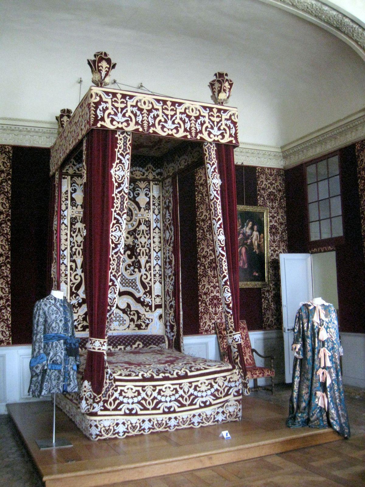 Château de Maisons-Laffitte, la chambre du Roi