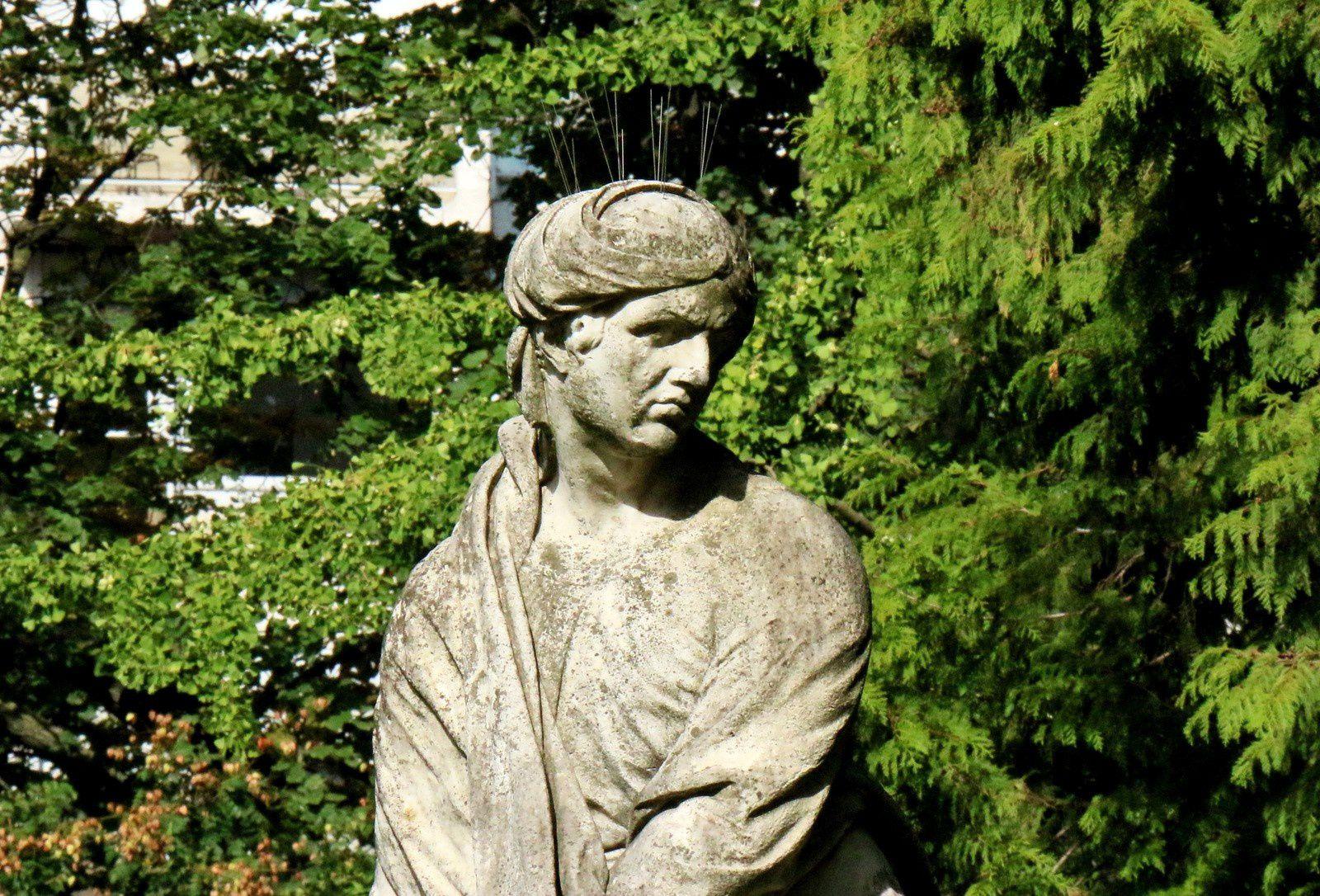 L'Hiver, sculpture de Michel Anguier