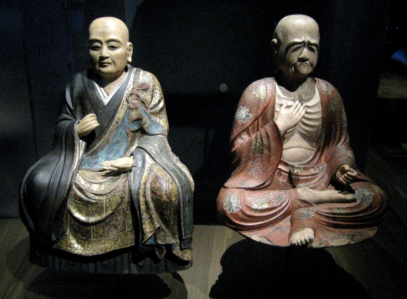 Portraits de moines et Robe de mariée par Brochier technologies