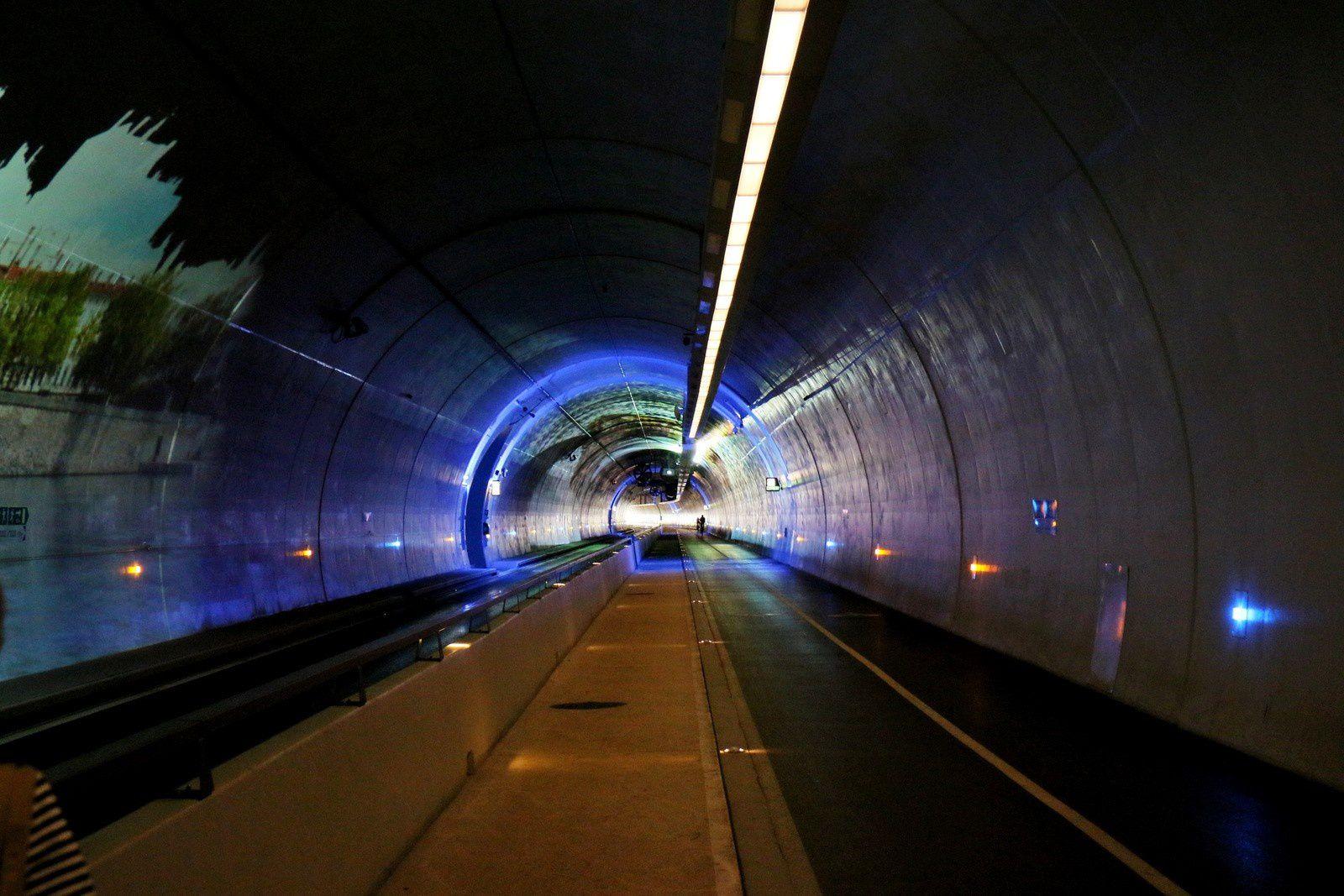 Tunnel de la Croix Rousse, images projetées sur les parois (2/2)