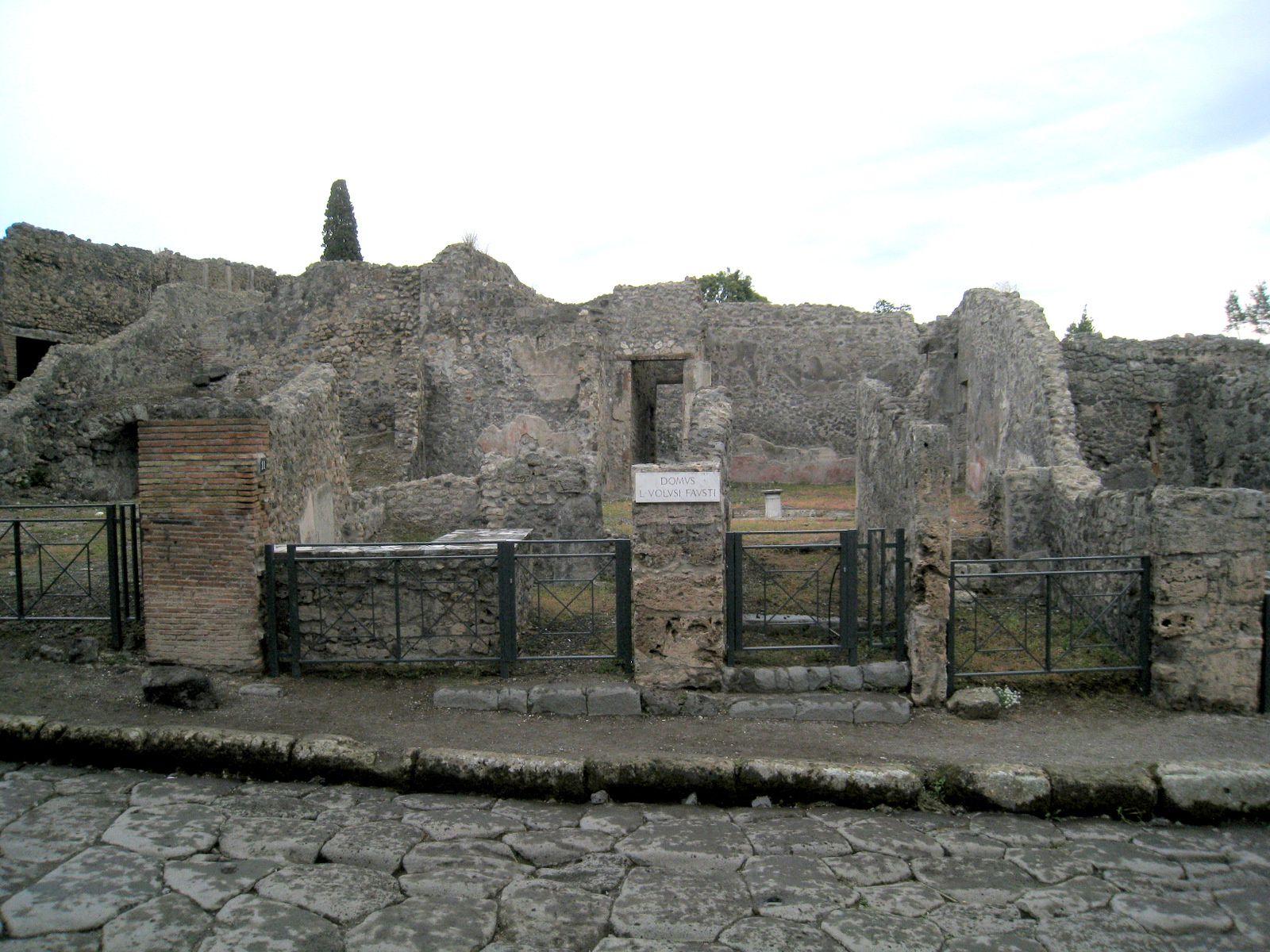 Une rue de Pompei, via di Stabia (Italie)