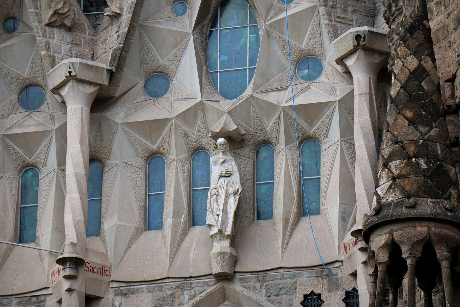 Sagrada Familia, extérieurs de la nef centrale (1/2)