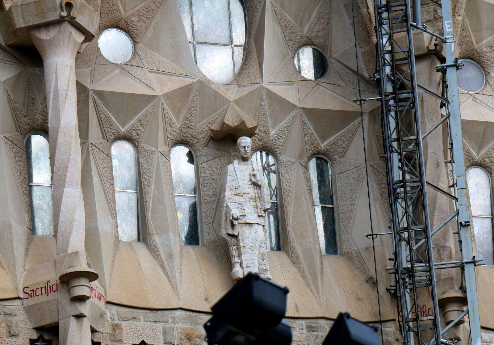 Sagrada Familia, extérieurs de la nef centrale (2/2)